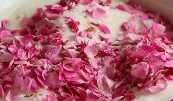 Варенье из лепестков роз2