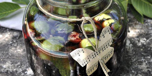 Варенье из зеленых грецких орехов с лимоном